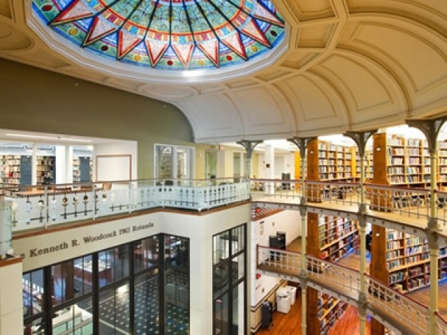 Linderman Library rotunda area