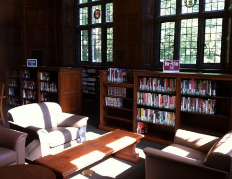 Photograph of the Linderman Library leisure reading area